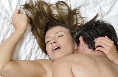 Cách nhận biết phái đẹp đang bị kích thích và đạt cực khoái trong tình dục